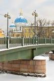 Krasnoarmeisky bro över Fontanka, St Petersburg, Ryssland Arkivbild