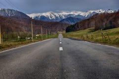 krasnodar bergregionväg russia arkivbilder