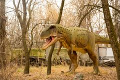 Krasnodar, Fédération de Russie le 5 janvier 2018 : Modèle du dinosaure en Safari Park de la ville de Krasnodar Photo libre de droits