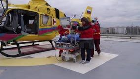 KRASNODAR, RUSIA - 20 DE MARZO: DEMOSTRACIÓN REGIONAL DE LA CLÍNICA #1 DEL HOSPITAL DEL SERVICIO MÉDICO DE LA EMERGENCIA USANDO E metrajes
