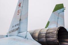 Krasnodar, Rusland - Februari 23, 2017: Het achterdeel van vechter su-35 Leidingskleppen Een pijp van een straalmotor van amberwi stock foto