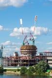 Krasnogorsk,俄罗斯- 7月09 2016年 建筑业中心维加斯番红花城市 库存图片