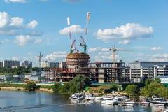 Krasnogorsk,俄罗斯- 7月09 2016年 建筑业中心维加斯番红花城市 图库摄影