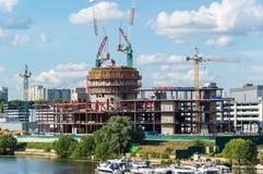 Krasnogorsk,俄罗斯- 7月09 2016年 建筑业中心维加斯番红花城市 库存照片