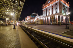Krasnoyarsk Ryssland - September 26, 2014: Järnvägsstationfyrkant Fotografering för Bildbyråer