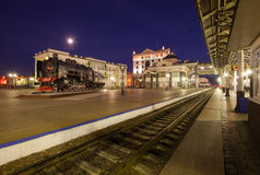Krasnoyarsk Ryssland - September 26, 2014: Järnvägsstationfyrkant Arkivbild
