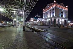 Krasnoyarsk Ryssland - September 26, 2014: Järnvägsstationfyrkant Royaltyfri Bild
