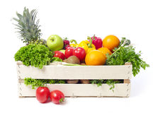 Krat met vruchten en groente Stock Afbeeldingen