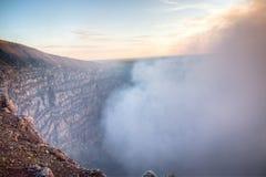 Krater av den Mombacho vulkan nära Granada, Nicaragua arkivfoton