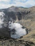 Krater av monteringen Bromo, Java, Indonesien Royaltyfri Bild