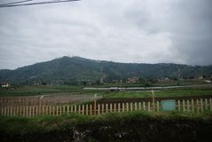 Krater av Tangkuban Perahu i Bandung, Indonesien arkivfoto
