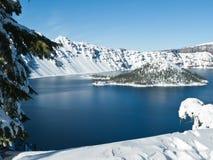 Krater Lake i vinter Royaltyfria Foton
