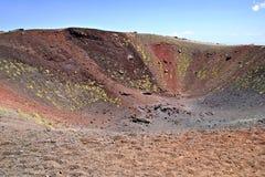 Krater Silvestri av Etnaen Arkivbild