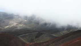 Krater Silvestri Superiori op Onderstel Etna, Sicilië, Italië stock video