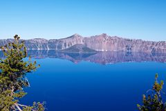 Krater sjö Royaltyfri Fotografi