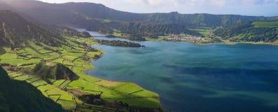 Krater sjö i Azores arkivfoton
