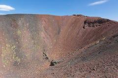 Krater van Onderstel Etna bij Italiaans eiland Sicilië stock afbeelding