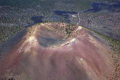 kratersolnedgång Arkivfoto