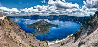 krateru jeziora panorama Zdjęcia Royalty Free