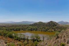 Krateru Jeziorny sceniczny krajobraz w Afryka Zdjęcie Royalty Free