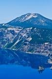 krateru wyspy jeziorny Oregon fantomu s statek u Obraz Royalty Free