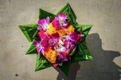 Krathong machte von den Bananenblättern und -stämmen Lizenzfreie Stockfotografie