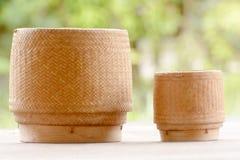 Kratip或黏米饭篮子容器 免版税库存照片