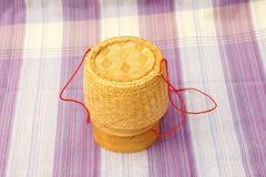 Kratip, contenitore di bambù tailandese del riso appiccicoso Fotografia Stock Libera da Diritti