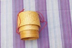 Kratip, récipient en bambou thaïlandais de riz collant images libres de droits