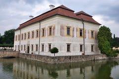 KratochvÃle, Tschechische Republik - 26. Juli 2015: Schloss KratochvÃle Lizenzfreie Stockbilder