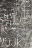 Kratzer auf der Wand Stockfoto