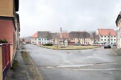2016-03-06 - Kravare, Tsjechische republiek - vierkant in een klein dorp Kravare Royalty-vrije Stock Foto