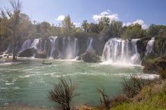 Kravice vattenfall p? den Trebizat floden i Bosnien och Hercegovina arkivbilder