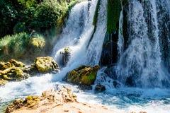 Kravice-Wasserfall und Trebizat-Fluss in Bosnien Lizenzfreie Stockbilder
