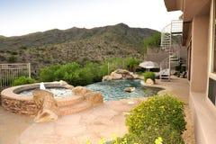 krawędź zbocza góry partii negatywne basenu Obrazy Royalty Free