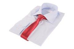 Krawatte auf einem Hemd stockfotografie