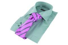 Krawatte auf einem Hemd stockbilder