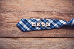 Krawatte und die Mitteilung stockfotografie