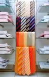 Krawatte und Hemden Stockfotografie