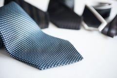 Krawatten für kleiden oben an Lizenzfreie Stockbilder