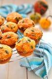 Kürbis-und Käse-Muffins Lizenzfreie Stockfotos