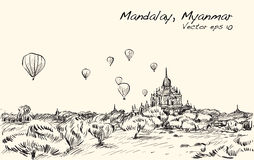 Kreśli krajobraz Mandalay, Manmar, przedstawienie balon na niebie nad b Zdjęcia Stock