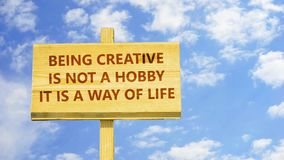Kreativ sein lizenzfreie abbildung