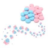 Kreative blaue und rosafarbene Pillen Stockfotografie