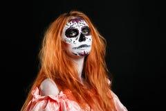 Kreative Gesichtsfarben-Porträtblume Tag der toten Personen lizenzfreie stockfotografie