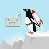 Kreativer Anfang und kreatives Ideenkonzept Pinguin fängt an, sich mithilfe der Rakete zu entfernen Lizenzfreies Stockfoto