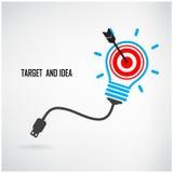 Kreativer Glühlampe- und Zielkonzepthintergrund Lizenzfreie Stockfotos