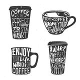 Kreativer Satz Logos entwerfen mit Kaffeetasse Auch im corel abgehobenen Betrag Vektor Abbildung