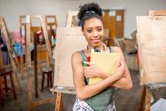 Kreativer Student an der Universität stockfoto