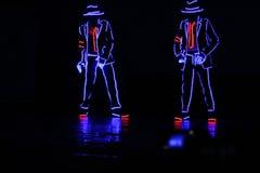 Kreativer Tanz mit Lichtern stockfoto